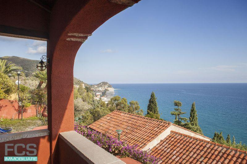 offerta villa vista mare finale ligure - vendita villa posizione panoramica varigotti