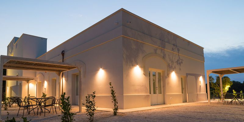 Adriatic coast overnight stay offer - Masseria oasis Alimini Lakes holiday deal