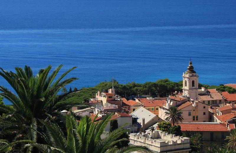 Offerta vacanze in albergo a Bordighera - Promozione prezzi shock albergo riviera ligure