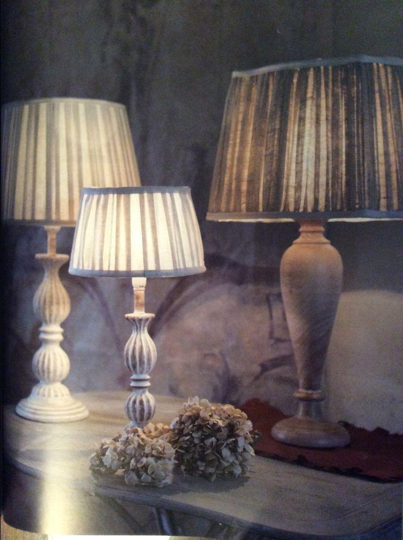 Lampade da tavolo, da tavolino e da comodino in stile Shabby